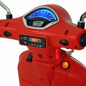 Carga de la batería de una moto eléctrica